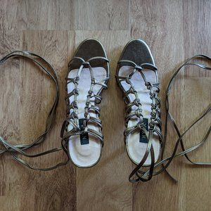 """NYLA 6.5 Gold Brown Picnic Strappy Sandals 3"""" Heel"""